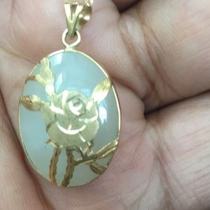 Jewelry - Gorgeous jade pendant and necklace